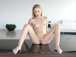 Oiled petite spreading, sucking and fucking